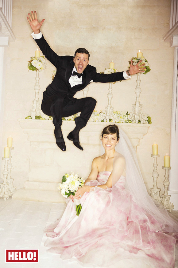 Jessica Biel & Justin Timberlake: A TOM FORD/Giambattista Valli Wedding (Updated w/New Pics) justin jessica wedding 1 z 11