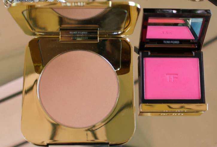 TOM FORD Beauty: Bronzing Powder in Gold Dust Review Size Comparison 725x492