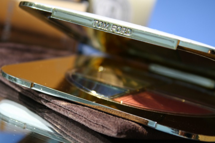 TOM FORD Beauty: Unabashed Eye and Cheek Compact Review IMG 7529 725x483