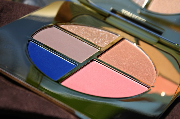 TOM FORD Beauty: Unabashed Eye and Cheek Compact Review IMG 7539 725x483
