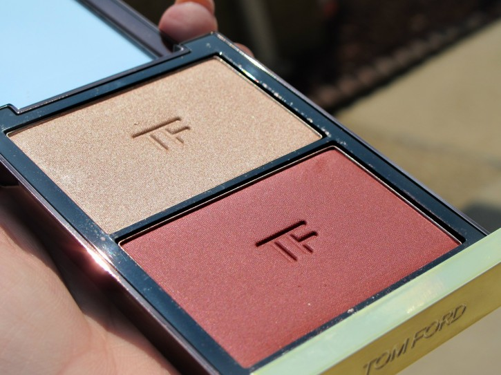 REVIEW & SWATCHES: FALL 2014 CONTOURING CHEEK DUO IN SOFTCORE angle 725x543